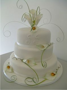 pretty call lily cake