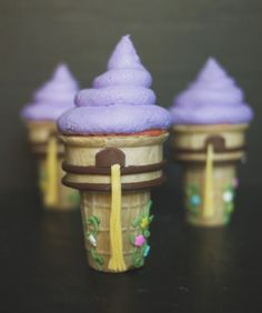 Tangled cupcakes! Adorable!