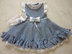 Вязаное платье для девочки. Схема вязания крючком  источник