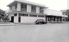 Martins Newsagency corner Knuckey and Mitchell Streets Darwin 1950 Darwin, Corner, Australia, History, Street, Historia, Walkway