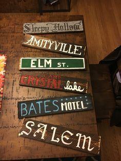 Halloween Tags, Looks Halloween, Scary Halloween Decorations, Halloween Home Decor, Outdoor Halloween, Halloween Projects, Halloween Design, Halloween 2019, Dollar Store Halloween