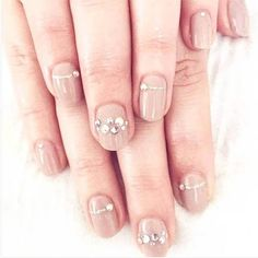 13 Fabulous Manicure Ideas for Every Engagement Ring Style