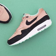 new concept ef031 596f7 Nike Wmns Air Max 1 - 319986-206 •• Air Max 1 är den