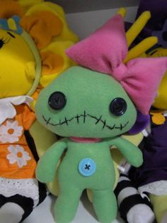 Felt Crafts Patterns, Fabric Crafts, Sewing Crafts, Sewing Projects, Felt Monster, Monster Dolls, Lilo And Stick Costume, Lilo E Stitch, Lilo And Stitch Doll