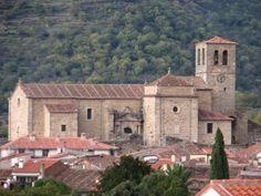 Santa María de Aguas Vivas fotografiada desde el magnífico albergue de Hervás, en la antigua estación de ferrocarril.