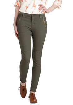 Take the Day Train Pants in Olive. Show off your downtown style when you hop on the train in these olive-green skinnies! #green #modcloth