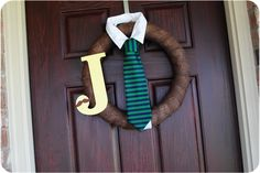 so cute! maybe I can make this before July and hang it on the door when baby boy arrives