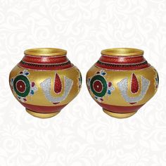 Wedding Pots-Avireni Kundalu Golden: The Indian ethnic product-Wedding Pots-Avireni Kundalu Golden is available online in USA at www.indiaethnix.com Thali Decoration Ideas, Diwali Decorations, Flower Decorations, Engagement Decorations, Wedding Decorations, Wedding Dinner, Wedding Events, Housewarming Decorations, Wall Hanging Crafts