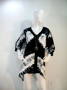 Size 2X tie dye tunic top with shark bite hemline, vee neck and 3/4 sleeves. by qualicumclothworks on Etsy