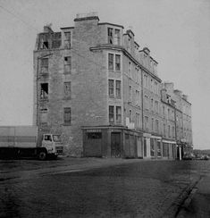 The Dundee Tenement Dundee, Old Images, Old Photos, Online Scrapbook, Great Britain, Scotland, Multi Story Building, Street View, History