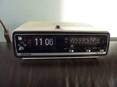 SIEMENS ALPHA-Klappzahlen-Radio-Radiowecker-Wecker-Flip Clock-70er Jahre-Vintage