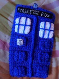 """Esta vez traemos una funda tamaño tablet! Es de la famosa serie britanica """"Doctor Who"""", es una Tardis"""
