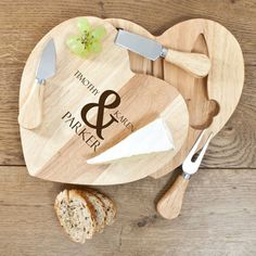 PERSONALISED HEART CHEESE BOARD SET £39.95