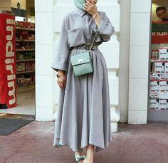 Skirt outfits hijab abayas New ideas Modern Hijab Fashion, Street Hijab Fashion, Muslim Fashion, Modest Fashion, Abaya Fashion, Islamic Fashion, Abaya Mode, Hijab Mode, Mode Outfits