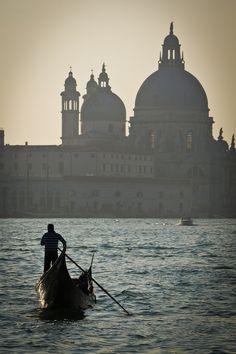 ethereo: Sole Gondola (by Daniel Pockett), Venice, Italy Italy Honeymoon, Italy Vacation, Italy Tourism, Italy Travel, Italy Winter, Italy Magazine, Italy Architecture, Italy Pictures, Best Of Italy