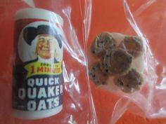 nip MINIATURE DOLLHOUSE farrow ind can quaker oats & plate oatmeal cookies 1/12 Miniature Dollhouse, Oatmeal Cookies, Doll Houses, Plates, Snacks, Canning, Toys, Breakfast, Oatmeal Raisin Cookies