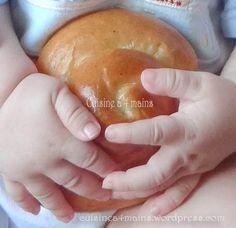 En Algérie, les hanounas ( ou hanounettes ) sont des petits pains qu'on prépare en période de fêtepour lesenfants. Les mamans ou lesgrandmèresprélèventde la pâte du khobz eddar (…