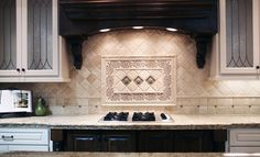 A classic traditional kitchen backsplash.