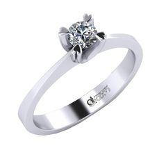 Acest inel de logodna are o eleganta simpla, iar elementul central il constituie diamantul / cristalul in setare tip gheara. Finisajele lucioase contribuie la aspectul stralucitor si deosebit, dovedind rafinament.