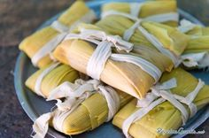 Tamales are a delicious way to experience traditional Mexican flavors. These treats, consisting of seasoned meat or vegetables surrounded by corn masa, are usually steamed inside a corn husk or banana leaf until the outer layer is cooked. Raw Food Recipes, Mexican Food Recipes, Cooking Recipes, Healthy Recipes, Mexican Desserts, Cooking Ideas, Veggie Recipes, Drink Recipes, Healthy Meals