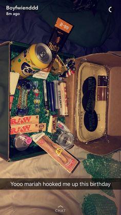 Cute Boyfriend Gifts, Bf Gifts, Birthday Gifts For Boyfriend, Best Friend Gifts, Cute Gifts, Gifts For Friends, Gifts For Him, Birthday Basket, Diy Birthday
