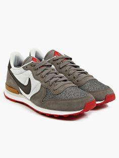 official photos 750ee b3691 Nike x QS Men s Internationalist City QS Sneakers Nike Internationalist, Sneakers  Nike, Kicks,