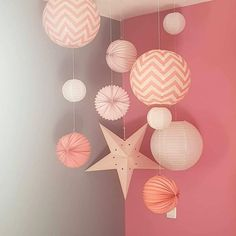 Pink decoration for a little girl& room with lanterns, lanterns and