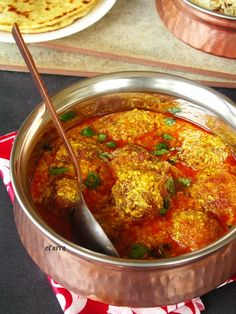 Aloo kofta - Indian Fried Potato Balls in a Yogurt Curry Sauce Sounds great.now I just need to find the time! Veg Recipes, Curry Recipes, Indian Food Recipes, Asian Recipes, Vegetarian Recipes, Cooking Recipes, Healthy Recipes, Vegetarian Dinners, Veg Dishes