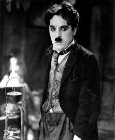 Charlie Chaplin contraint à l'exil - 1952 - Cinéma et séries - Live2times