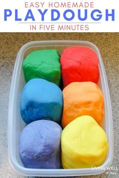 How to make the best easy homemade playdough recipe in just 5 minutes - hours of fun for toddlers and older kids too. Youll never go back to store-bought play doh - this recipe is cheap lasts for MONTHS is soft and less messy too! Fun Crafts For Kids, Projects For Kids, Diy For Kids, Diy Projects, Just For Kids, Gifts For Toddlers, Fall Crafts, Quick Crafts, Children Crafts
