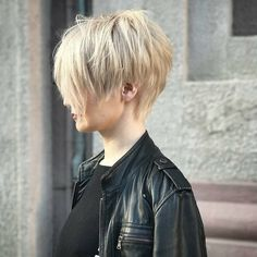 """2,110 Likes, 13 Comments - PixieCuts are DOPE #AF (@pixiepalooza) on Instagram: """"This Rockstar pixie is from @stebunovhair - ✂️❤️✂️❤️✂️❤️#pixiepalooza"""""""