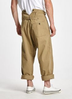 Railman trousers (vintage twill) khaki - pants - shop mens m Men Trousers, Mens Fashion Suits, Mens Clothing Styles, Military Fashion, Khaki Pants, Harem Pants, Under Armour, Dressing, Menswear