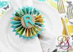 cute!    Positively Splendid {Crafts, Sewing, Recipes and Home Decor}: Paper Medallion Napkin Rings