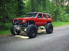 Beautiful XJ!  Owner: @logan_kallwick  #FlexRocksRollovers #rockcrawler #offroad #4x4 #rockcrawling #trailriding #jeep #jeepxj #jeeplife