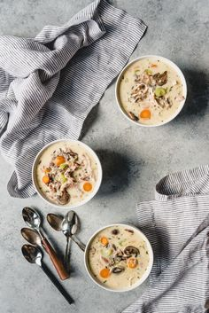 An image of bowls of easy turkey soup made with wild rice, vegetables, and leftover thanksgiving turkey. Easy Turkey Soup, Turkey Wild Rice Soup, Leftover Turkey, Soups And Stews, Soup Recipes, Dinner, Ethnic Recipes, Thanksgiving Turkey, House