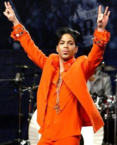 'Purple Rain' was his final song: how tearful Prince gave emotional last concert days before his death. Did he know he might not live much longer? Mavis Staples, Sheila E, Beautiful One, Beautiful People, Madonna, Jazz, Hip Hop, Pictures Of Prince, Prince Images