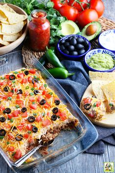 Ground Beef Taco Dip, Ground Chicken Tacos, Beef Dip, Ground Beef Recipes, Beef Appetizers, Easy Appetizer Recipes, Dip Recipes, Mexican Food Recipes, Cooking Recipes