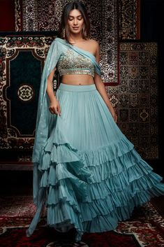 Indian Gowns Dresses, Indian Fashion Dresses, Dress Indian Style, Indian Designer Outfits, Designer Dresses, Indian Bridal Fashion, Indian Wedding Outfits, Bridal Outfits, Indian Outfits