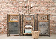 こちらは、オランダ人のレイモンド氏がインドネシアで手掛けるブランド「d-Bodhi/ディーボディ」。枕木などの古材をはじめ、リサイクル資源を丁寧に加工して創り上げるエコロジー家具です。