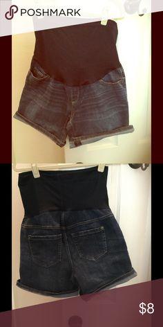 Liz Lange maternity shorts Liz Lange jean shorts Liz Lange Shorts Jean Shorts