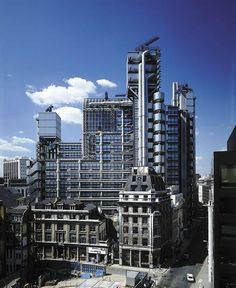 Lloyd's of London  by Rogers Stirk Harbour + Partners Lloyd's Of London, Tower Of London, London City, London Photos, London Architecture, Amazing Architecture, Creative Architecture, Structural Expressionism, Jacques Herzog