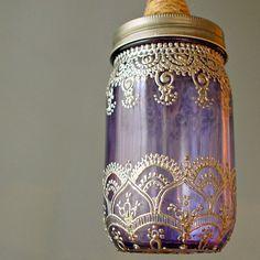 Mason Jar-Laterne - Lavendel-Glas mit silbernen Henna Akzenten