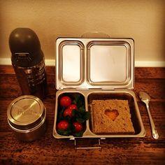 #kivanta #kitchen #kids #planetbox #stainlesssteel #stainlesssteelbottle #stainlesssteelcontainers #bento #bentobox #schoolbento #tomatopaste #sunflowertomaropaste  Some days are really hectic ...