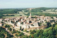 Puycelsi. The 25 Most Beautiful Villages To Spend A Weekend In France! (19)