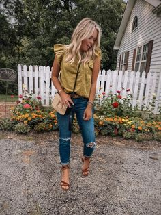 Mom Outfits, Cute Casual Outfits, Simple Outfits, Spring Outfits, Modest Fashion, Fashion Outfits, Feminine Fashion, Mom Style, Spring Summer Fashion