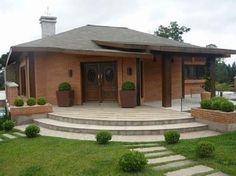 As casas feitas com tijolos ecologicos podem ser simples ou luxuosas: . Bungalow, Modern Villa Design, House Elevation, Ideal Home, Simple House, My Dream Home, Exterior Design, Future House, Gazebo