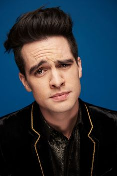 Brendon Urie poses at the MTV EMAs 2018 studio at Bilbao Exhibition Centre on November 2018 in Bilbao, Spain. Get premium, high resolution news photos at Getty Images Brendon Urie, Dallon Weekes, Panic! At The Disco, Emo Bands, My Chemical Romance, Mtv, Hot Guys, Portrait, People