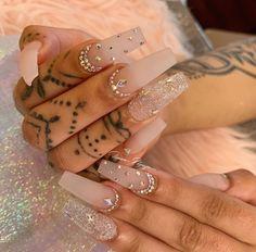 How to choose your fake nails? - My Nails Aycrlic Nails, Glam Nails, Bling Nails, Matte Nails, Manicures, Kylie Nails, Nail Nail, Jewel Nails, Coffin Nails Glitter