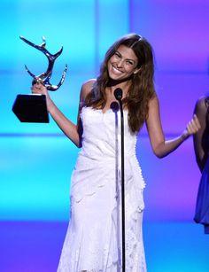 Pin for Later: Revivez les meilleurs moments des Best Guys Choice Awards !  En 2008, Eva Mendes a remporté un prix aux Guys Choice Awards.