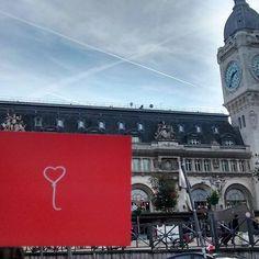 """Welo em Paris ❤️ Foto por spreader-x  Gare de Lyon """"Paris-Gare de Lyon é um das seis grandes estações ferroviárias de Paris na França. Com movimentação de 83 milhões de passageiros por ano, tornando-se o terceira mais movimentada estação da França e um das mais movimentadas da Europa."""" #welo #spreadlove #spreadwelo"""